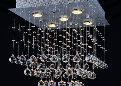 Egyedi kristályok csillárokhoz